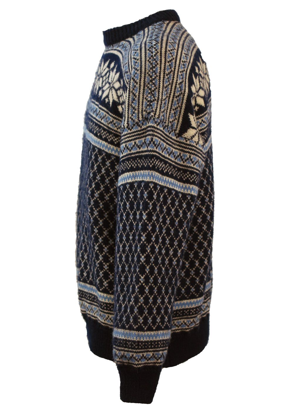 bc2547bf27 Nordic Wool Jumper with Intricate Blue   White Pattern - L. Touch to zoom