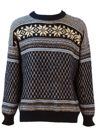 Nordic Wool Jumper with Intricate Blue & White Pattern - L